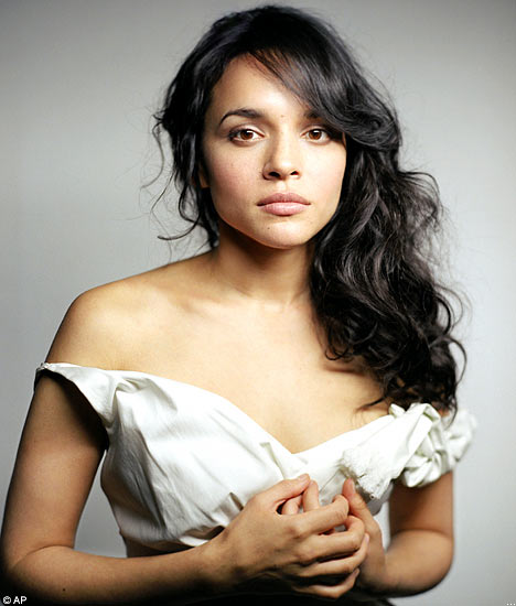 Agenda De Shows Norah Jones 2018  Festas  Shows-6103